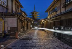 Kyoto Street and Yasaka Pagoda (kenneth chin) Tags: kyotostreet nikon d850 nikkor 1424f28g japan kyoto city yahoo google yasakapagoda attraction twillight historical