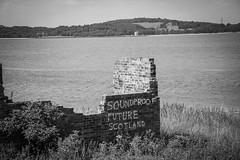 Cramond Island (Herdstar) Tags: edinburgh forthroadbridge forth railway bridge
