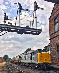 Great Central Railway Loughborough Leicestershire 26th July 2018 (loose_grip_99) Tags: railway railroad rail greatcentral gcr train loughborough leicestershire eastmidlands england uk diesel englishelectric ee class 37 type3 37714 preservation transportation trains railways semaphore signals station july 2018