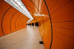 Orange Overkill (Leipzig_trifft_Wien) Tags: münchen bayern deutschland de color orange underground tunnel metro ubahn tiles lines curve architecture modern monochrome