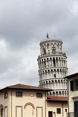 La Tour (airSnapshooter) Tags: tower pisa italy europe clouds building architecture flag people window antique