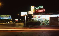 Quality neon in Roswell (Zeolite C O) Tags: roswell newmexico leica m4 neon fujivelvia