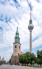 St. Mary's Church and TV Tower in central Berlin, Germany (Daniel Poon 2012) Tags: musictomyeyes artistoftheyear amazingphoto 123 blinkagain blinkstomyeyes flickr nikonflickraward simplysuperb simplicity storytelling nationalgeographic ngc opticalexcellence beauty beautifullight beautifulcapture level2autofocus landscape waterscape bydanielpoon danielpoonca worldtravel superphotosgroup theamusingphotogroup powerofnikon aplaceforgreatphotographers natureimage focusandclick travelaroundthe world worldmasterpiece waterwatereverywhere worldphotography yourbestphotography mybestphotography worldwidewandering travellersworld orientalland nikond500photography photooftheyear nikonshooters landscapeoftheworld waterscapeoftheworld cityscapeoftheworld groupforallusersofnikon chinesephotographers