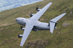 ZM417 (Ian.Older) Tags: airbus a400 a400m zm417 royalairforce raf bwlch machloop 206 squadron brize norton low level lowfly military transport aircraft atlas 2017