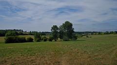 1494-01LJ (Lozarithm) Tags: calne wilts berhillsfarm landscape pentax zoom k1 28105 hdpdfa28105mmf3556eddcwr paths