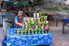 Šejky!!! (zcesty) Tags: šejk stánek prodavač laos3 jídlo domorodci luangprabang laos dosvěta luangprabangprovince la