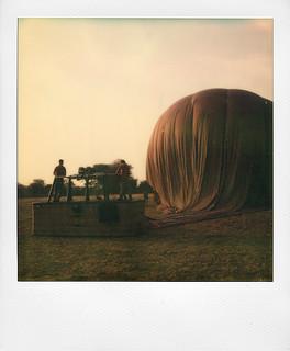 Ballooning at Bagan (Burma)