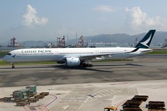 Cathay Pacific | Airbus A350-1000 | B-LXA | Hong Kong International (Dennis HKG) Tags: aircraft airplane airport plane planespotting oneworld canon 7d 24105 hongkong cheklapkok vhhh hkg cathay cathaypacific cpa cx airbus a350 a3501000 airbusa350 airbusa3501000 a35k blxa
