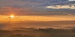 Sunrise near San Gimignano (Benni's Fotobude) Tags: gimignano san toskana tuscany hügel hill zypressen landhaus italy italia italien land fog mist nebel morgen morning sunrise sonnenaufgang summer holyday vacation sunny wetter urlaub outdoor panorama ausblick aussicht a6000 sony view