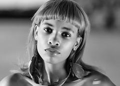 Tiaira (02_053BW) (ronnie.savoie) Tags: africanamerican black noir negra woman mujer chica muchacha girl pretty guapa lovely hermosa browneyes ojosnegros brownskin pielcanela portrait retrato model modelo modèle smile sonrisa wampoldpark batonrouge louisiana diaspora africandiaspora
