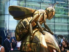 Manchester Bee -- Golden Bee. -- AuBee = GONE NOW (rossendale2016) Tags: shiny glossy golden public display september july sale artistic art popular destination holiday tourist train link transport centre famous heritage industrial worker iconiconic clever exitpremises entrance outside bee statue charity iconic gold cdntre city manchester station railway piccadilly