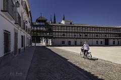 Tembleque (Luis R.C.) Tags: tembleque toledo pueblos plazas paisajes edificios paisaje nikon d610