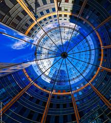 Cercles (L'Abominable Homme de Rires) Tags: cercle canon5d 5dmkiii sigma 24105mmf4 ladéfense skyscraper igh paris immeuble building architecture art dxo photolab lightroom