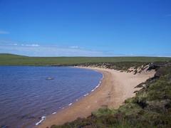 Loch na Gainimh, North West Sutherland, July 2018 (allanmaciver) Tags: loch na gainimh north west sutherland scotland sandy bay water boggy peat curve walk enjoy outdoors allanmaciver