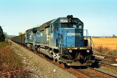 CR SD40-2 6459 and C40-8W 6082 east bound at Alburtis PA, early 1990ies (swissuki) Tags: conrail cr alburtis pa sd402 c408 railroads readingw
