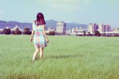 (Hsien hui Tsai) Tags: taiwan taipei film filmphotography photography nikon nikonem filmphoto life backportrait girl green walk em soft pastel 2011