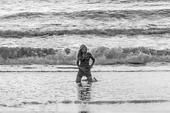 Kneeling in the sea. (Wal Wsg) Tags: kneelinginthesea arrodilladaenelmar 7dwf 7dwfbw 7dwfthursdaysbw woman mujer femme garota girl she ella mar sea canoneosrebelt6i canon argentina provinciadebuenosaires mardeajo byn bw blancoynegro blackandwhite dia day photography pho fotografia foto candid