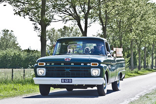 Ford F-100 Pick-Up Truck 1966 (8896)