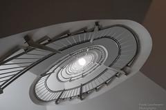 Metalltreppe (Frank Guschmann) Tags: treppe treppenhaus staircase stairwell escaliers stairs stufen steps architektur frankguschmann nikond500 d500 nikon