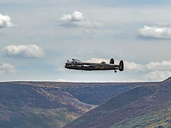 Lancaster Bomber over Saddleworth (Craig Hannah) Tags: lancasterbomber saddleworth pennine yanksweekend august 2018 plane ww2 battleofbritain flypast westriding yorkshire oldham greatermanchester england uk craighannah canon photography photos hills moorland
