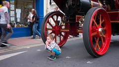 Boy and Engine (Tony McLean) Tags: ©2018tonymclean driffieldsteamandvintagerally eastyorkshire streetphotography streetscenes leicam240 leica35summiluxfle