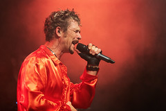 Johnny Hallyday Tribute (Olivier Rapin) Tags: 2018 20180721 broye concert festival groupe jht johnnyhallydaytribute live music musique trestival trey red rouge rot sonyalpha77ii tamron 70200mm