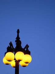 Chicago Light (moweha) Tags: chicago illinois usa america night light street blue yellow streetlight geometric circles stphotographia