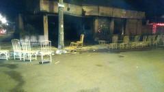 Restaurante fica destruído durante incêndio em bairro de Araguari, MG (portalminas) Tags: restaurante fica destruído durante incêndio em bairro de araguari mg