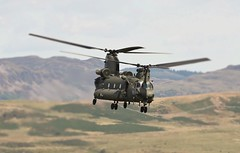 INCOMING (Dafydd RJ Phillips) Tags: chinook loop mach ch 47 odiham raf force air royal
