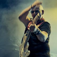 Rob Tognoni (chribs) Tags: konzert concert stage art srtist music musik rock guitar gitarre show live bühne mann künstler musiker