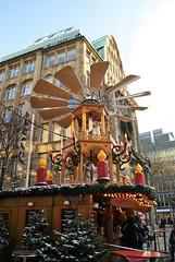 DSC03885 (margaret.metzler) Tags: 2012 hamburg germany deutschland winter weihnachten festive weihnachtsmarkt christmasmarket christmas spitalerstrase