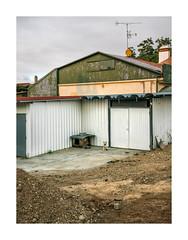 Ribeira de Frades, Coimbra (Sr. Cordeiro) Tags: ribeiradefrades coimbra portugal rural cão casota dog kennel barracão shed fuji fujifilm xpro2 fujinon xf 1855mm f284 ois