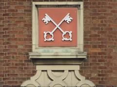 Former Cross Keys Inn, corner of High Street and Swan Lane, Evesham, Worcestershire (LookaroundAnne) Tags: gwuk crosskeyshouse crosskeysinn former inn pub publichouse evesham worcestershire lostpub