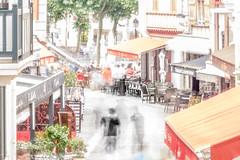 Une ombre dans les rues de SAINT JEAN DE LUZ (belval74) Tags: floudebougé france hautesavoie lieu paysbasque paysage rueroutechemin saintgervais typephoto