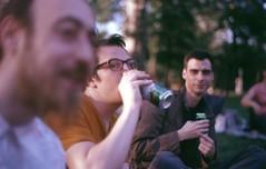 Kispál éneklés (sztomy_analog) Tags: 35mm 35mmfilm 35mmfilmphotography film filmsnotdead filmisnotdead filmphotography explorewithfilm ishootfilm analog analogphotography photography magyaranalog magyar hungarian sztomy art sztomyphoto