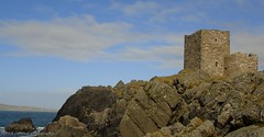carrickabraghy castle (patrickcolhoun) Tags: carrickabraghycastle fort tower old ruin abandoned historic loughswilly sky rocks donegal ireland isleofdoagh countydonegal inishowen ulster landscape seascape view scenery