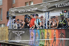 Gay Pride Antwerpen 2018 (O. Herreman) Tags: antwerpen belgium gaypride pride homo biseksueel europride feest straatfeest outdoor stad party mensen toeristen schelde city friends people homoemancipatie europe centrum centre center parade lgbt freedom liberty rights droits gay civilrights festa fête coc pridematters lovewins crowd happy antwerp anvers holebi antwerppride prideantwerp streetparty festival fest regenboogkleuren regenboogvlag rainbowcolors antwerppride2018 leather leder puppymask badpuppy belgie belgique
