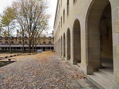 Courtyard, University of Toronto (duaneschermerhorn) Tags: courtyard arches architecture architect university artgallery museum gallery toronto uoft ontario canada