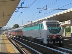 E403.011  ICN 35396 (NicoE402B) Tags: e403 e403011 locomotore torino lingotto stazione fs treno arrivo intercity notte ic moon
