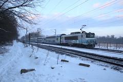 BB 15058 + V2N PLT 05 (Thomas-60) Tags: bb15000 v2n ter train sncf ferroviaire