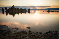Sunset At Mono Lake, California (thedot_ru) Tags: monolake california unitedstates usa america us ca cali formations rocks lake water reflection bluesky sky noclouds nature landscape travel travelling tourism tourist travels adventure wanderlust trip clouds skyporn canon5d 2014