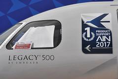 Embraer S.A. EMB-550 'Legacy 500' (A380spotter) Tags: windshield windscreen windows flightdeck cockpit brakesondonottow sign embraersa embraerempresabrasileiradeaeronauticasa embraerexecutivejets emb550 550 legacy500 legacy n676ee legacy®500byembraer 1ainproductsupport aviationinternationalnewsain decal sticker embraerexecutiveaircraftinc demonstrator staticdisplay fia18 farnboroughinternationalairshow2018 taglondonfarnboroughairport eglf fab