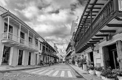 Cartagena en blanco y negro - black&white Cartagena (Luis FrancoR) Tags: cartagenaenblancoynegroblackwhitecartagena cartagena blackwhite blanconegro blancoynegro colombia ngw ng ngc ngs ngg