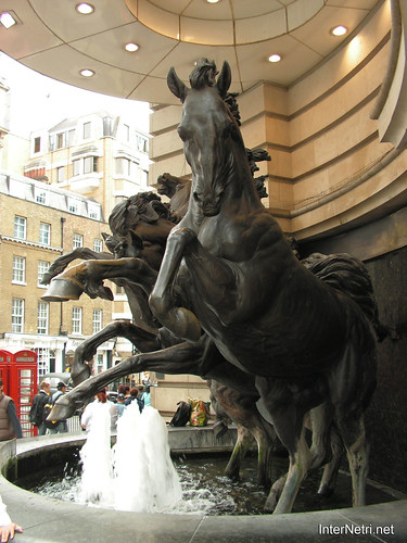 Лондон, Велика Британія InterNetri.Net  01