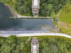 Hympendahl-Viadukt (MLopht | Dortmund) Tags: viadukt brücke hympendahl ruine brückenkopf brückenköpfe teich regenwasserspeicher wasserspeicher rückhaltebecken wasser phoenixwest dortmund hörde luftbild drohne dji mavicpro drone
