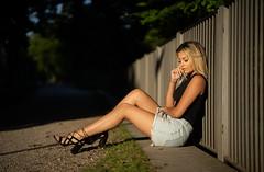 Sofia (ecker) Tags: abend abendsonne frau ganzkörper portrait porträt sofia sonnenlicht umgebungslicht wels zaun availablelight evening fence naturallight people portraiture sit sitzen sunlight woman sony a7 sonya7iii ilce7m3 alpha a7iii ⍺7iii ⍺7 zeiss batis 85mm zeissbatis1885 sonnar batis1885 ƒ18 18 fotoshooting shooting austrianphotographer femalemodel beautiful beauty pretty cute model photography modelphotography