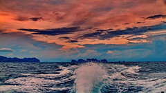 Blue water, red clouds (gerard eder) Tags: world travel reise viajes asia southeastasia thailand sea seascape sunset puestadesol atardecer clouds wolken wasser water waves kohphiphi nubes landscape landschaft natur nature naturaleza