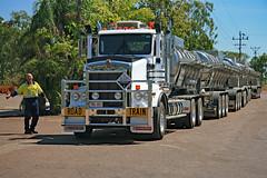 Road Train   -in explore- (Uhlenhorst) Tags: 2007 australia australien travel reisen trucks lastwagen