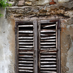 Decline (YIP2) Tags: decline decay street windows city urban minimal minimalism line lines stripes simple less linea detail geometry pattern design yellow details abstract construction urbandetail texture surface outside building wall cuneo piedmont piemonte italy italia travel