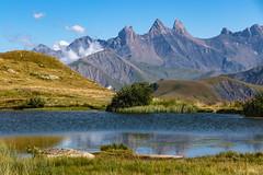 Les Aiguilles d'Arves (Maurienne - Savoie 08/2018) (gerardcarron) Tags: 18135 canon80d ciel cloud eau lac landscape lake maurienne mountains nature nuages paysage sky summer stsorlindarves